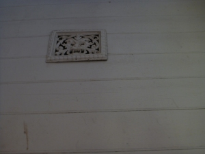 This Green Man was sighted at the Coal Creek Court House in Korumburra - all the vents have the green man on them...